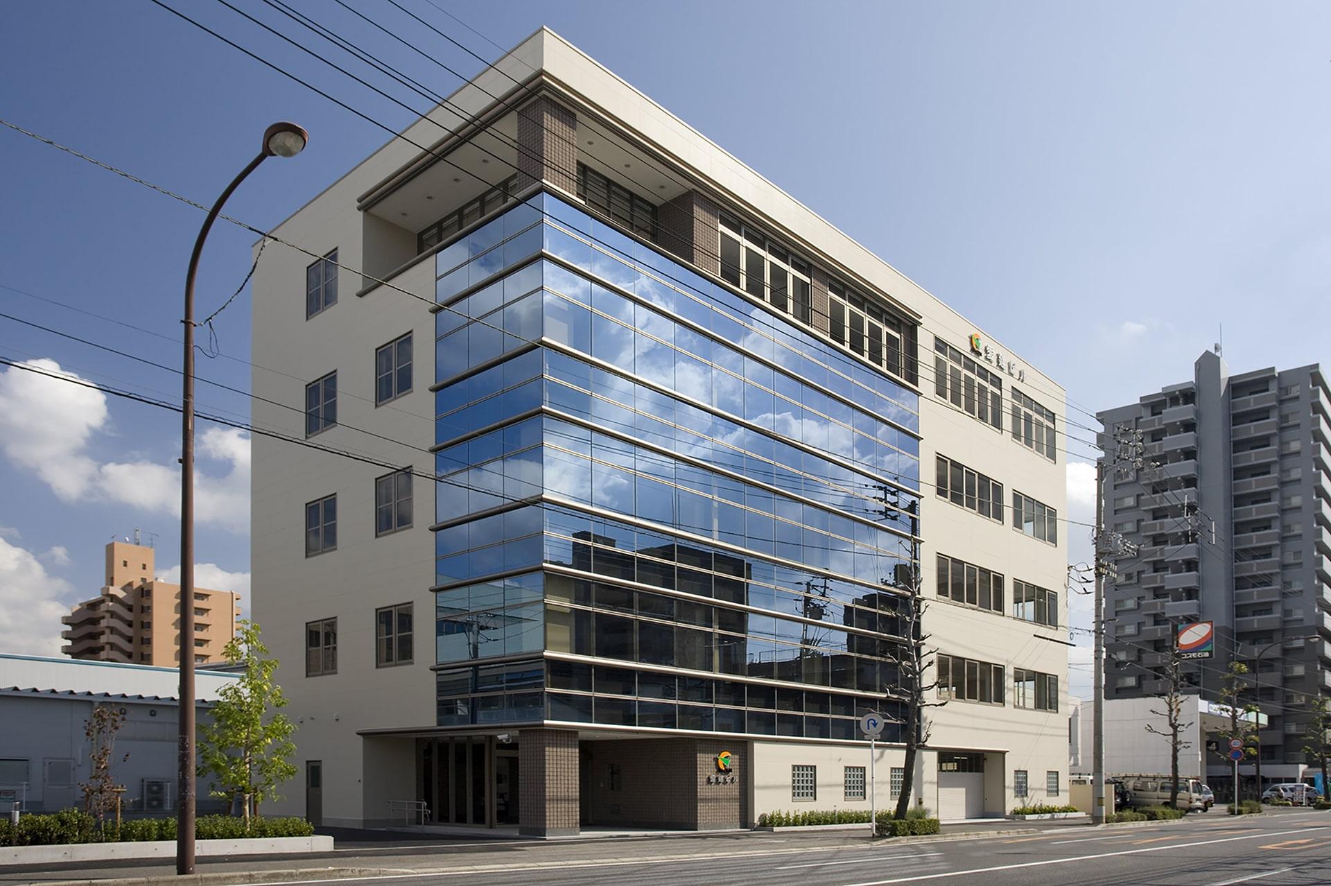愛媛県建設労働組合ビルの写真